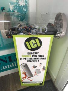 Déposez vos piles usagées chez Ecolocataires afin de les recycler.
